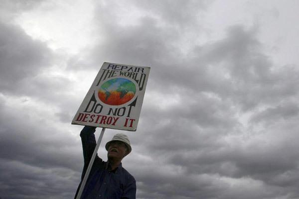 Un manifestante contra el cambio climático en Londres. REUTERS